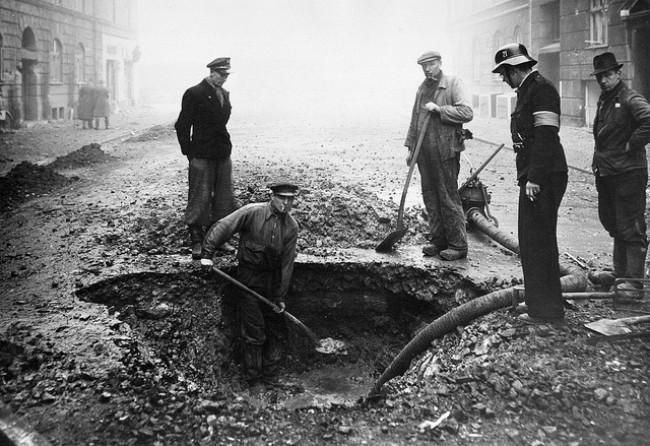 Ilustrasi suasana pemboman Copenhagen saat Perang Dunia II. (Sumber National Museum of Denmark)