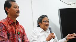 Sekretaris Eksekutif KARS Djoti Atmodjo memberikan keterangan di Jakarta, Selasa (7/5). Dalam keterangannya rumah sakit yang bekerja sama dengan BPJS Kesehatan wajib melakukan akreditasi, Jika tidak diurus, kerjasama yang sebelumnya sudah terlaksana akan langsung diputus. (Liputan6.com/Angga Yuniar)