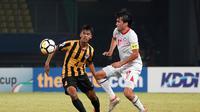 Duel Malaysia vs Tajikistan di matchday kedua penyisihan Grup D Piala AFC U-19 2018 di Stadion Patriot Candrabhaga, Bekasi, Selasa (23/10/2018). (Bola.com/Dok. AFC)