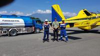 PT Pertamina (Persero) mengirimkan pasokan solar ke Palu, Sulawesi Tengah dengan menggunakan Pesawat Air Tractor dari Bandara Juwata Tarakan, Kalimantan Utara