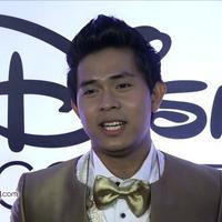 Menghadiri Acara We Love Disney, Cakra Khan kebagian menyanyikan lagu Lion King.