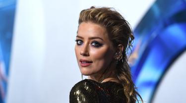 Amber Heard Pakai Gaun Seksi Menerawang di Pemutaran Film Aquaman