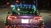 Mobil Dihias Seperti Pohon Natal (Carbuzz)