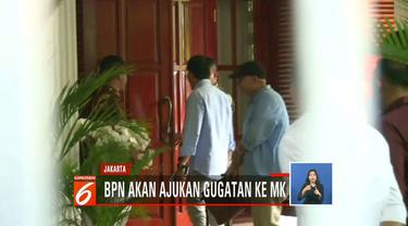 Setelah menolak menandatangani dokumen hasil rekapitulasi KPU, BPN Prabowo-Sandi putuskan mengajukan gugatan ke Mahkamah Konstitusi (MK)
