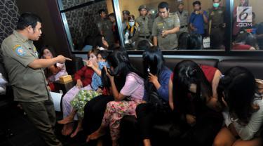 Razia Panti Pijat, Puluhan Wanita Diamankan di Tangsel