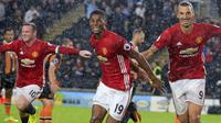 Striker muda Manchester United, Marcus Rashford, membuktikan dirinya layak berada di skuat Setan Merah asuhan Jose Mourinho. Bomber 18 tahun itu mencetak gol perdana musim ini sekaligus mengantar MU menang 1-0 atas Hull. (AFP/Lindsey Parnaby)