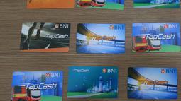 BI akan menaikkan batas atas plafon uang elektronik menjadi Rp 10 juta, Jakarta, Selasa (18/10). Diharapkan kenaikan batas atas plafon untuk uang elektronik akan meningkatkan transaksi di uang elektronik. (Liputan6.com/Angga Yuniar)