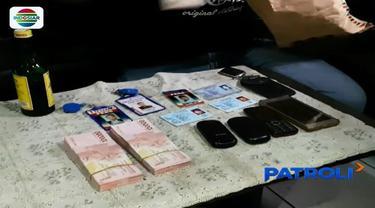 Mengaku wartawan, 4 pria di Garut, Jawa Barat, diciduk polisi lantaran memeras seorang WN Jepang sebesar Rp 200 juta.