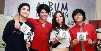 Aliando Syarief, Calvin Jeremy, Nikita Willy dan Teuku Rasya meluncurkan album kolaborasi bertajuk The Freaks. Lewat karya ini, mereka membuktikan bahwa industri musik Indonesia masih berjaya dengan karya-karya anak bangsa. (Deki Prayoga/Bintang.com)