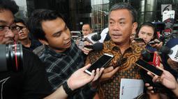 Ketua DPRD DKI Jakarta, Prasetyo Edi Marsudi memberikan keterangan sebelum meninggalkan Gedung KPK, Rabu (23/1). Kedatangan Prasetyo Edi Marsudi untuk menyerahkan laporan harta kekayaan penyelenggara negara (LHKPN). (Merdeka.com/Dwi Narwoko)