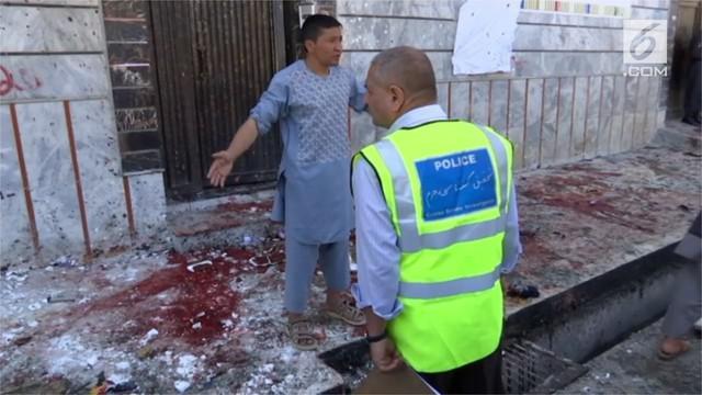 Bom bunuh diri meledak di kantor pemilu Afghanistan. Setidaknya 31 orang tewas, dan puluhan lain terluka akibat bom tersebut.