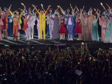 Suasana penutupan Asian Games di SUGBK, Jakarta, Minggu (2/9/2018). (Bola.com/Vitalis Yogi Trisna)