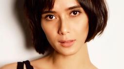 Sebagai seorang model, nama Renata Kusmato pasti sudah tak asing lagi di dunia fashion tanah air. Ia telah menjadi wajah bagi sejumlah brand dari desainer ternama Indonesia. (Liputan6.com/IG/@renata711)