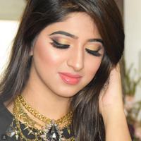 Coba riasan mata serba nude deh untuk hasilkan tampilan yang elegan. (foto: Instagram/@_arishaz_vanity_)