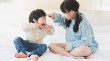 Tips Membuat Kakak Beradik Akur Dan Rukun Di Rumah Parenting Fimela Com