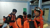 Tim SAR Gabungan berkoordinasi untuk mencari empat korban yang dinyatakan hilang hanyut di Sungai Rajasa, Belik, Pemalang. (Foto: Liputan6.com/BPBD Pemalang/Muhamad Ridlo)
