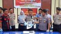 Polisi Polres Mamuju Tengah menemukan fakta baru kasus bakso daging tikus usai melihat rekaman CCTV warung bakso. (Liputan6.com/ Abdul Rajab)