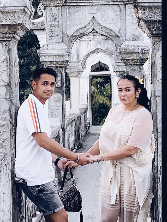 Jennifer Ipel dan Ajun Perwira. (Foto: Instagram @ajunperwira)