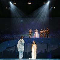 Cinta Tak Pernah Sederhana berhasil hadirkan suguhan berkelas bagi pecinta teater. (Adrian Putra/Fimela.com)