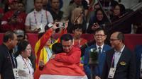Menteri Pemuda dan Olahraga (Menpora) Imam Nahrawi yang datang memberikan dukungan untuk Eko Yuli di Hall A3 Jiexpo, Kemayoran, Jakarta, Selasa (21/8)