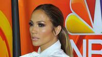 Selain cantik, bersuara emas, dan kaya raya, Jennifer Lopez juga berhati mulia. Sebelumnya, diberitakan bahwa JLo telah memberikan donasi untuk korban badai Harvey di Puerto Rico. (AFP/Lily Lawrence)