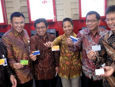 20151221-BUMN Perbankan Resmi Luncurkan ATM Himbara-Jakarta