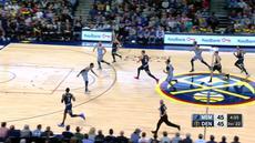 Nikola Jokic mendapat double-double dengan mencetak 27 poin dan meraih 12 rebound saat Nuggets menang atas Grizzlies, 105-99