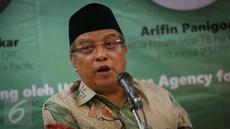 Ketua Umum PBNU Said Aqil Siradj memberikan paparan dalam diskusi Dukung Upaya Penanggulangan Tuberculosis (TBC) di Indonesia di Gedung PBNU, Jakarta, Rabu (8/3). (Liputan6.com/Faizal Fanani)