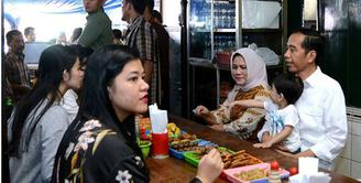 Jokowi Makan Soto Gading