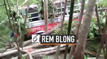 Akibat alami rem blong, sebuah bus yang membawa rombongan anak sekolah masuk jurang di Thailand. Beruntung tak ada korban jiwa, namun 35 orang harus dilarikan ke rumah sakit akibat luka-luka.