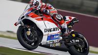 Andrea Dovizioso, optimistis Ducati mampu membuat kejutan dengan memenangi balapan MotoGP Qatar di Sirkuit Losail, Minggu (20/3/2016). (Motorsport)