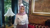 Berikut inovasi desainer busana muslim Restu Anggraini menciptakan hijab antibakteri. (Foto: Liputan6.com/ meita fajriana)