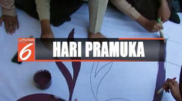 Di Jakarta, Hari Pramuka di peringati ratusan siswa dengan mengikuti upacara di GOR Matraman, Jakarta Timur.