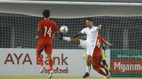 Pemain Timnas Indonesia, Stefano Lilipaly, saat melakoni laga uji coba internasional kontra Myanmar di Stadion Mandalathiri, Mandalay, Myanmar, Senin (25/3/2019). Timnas Indonesia menang 2-0 dalam laga ini. (FA Myanmar)