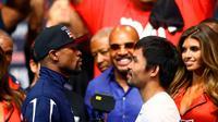 Acara timbang badan Floyd Mayweather vs Manny Pacquiao (REUTERS/Steve Marcus)