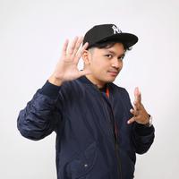Calvin Jeremy visit film KKN. (Adrian Putra/Fimela.com)