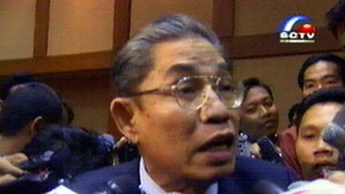 "Baharuddin Lopa: ""Gus Dur Bisa Dipidana"" - News Liputan6.com"