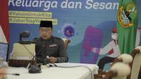Gubernur Jawa Barat Ridwan Kamil saat doa bersama lintas agama virtual di Gedung Pakuan, Bandung, Jawa Barat, Selasa (13/7/2021). (Foto: Rizal/Biro Adpim Jabar)