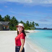 Maia Estianty menilai Indonesia tak kalah indah dengan Maladewa (Dok.Instagram/@maiaestiantyreal/https://www.instagram.com/p/B5jsmDony9Z/Komarudin)