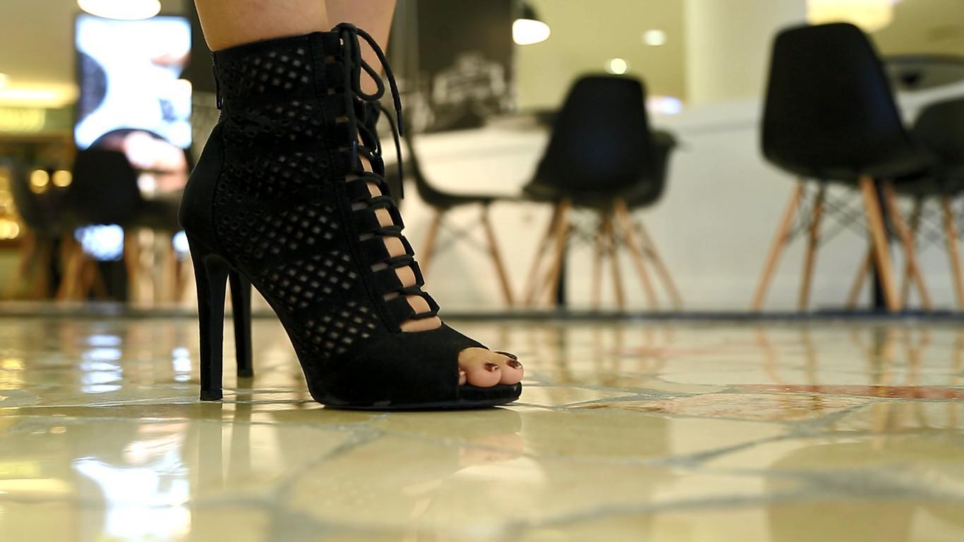 Perempuan pengguna high heels (Liputan6.com/Zulfikar)