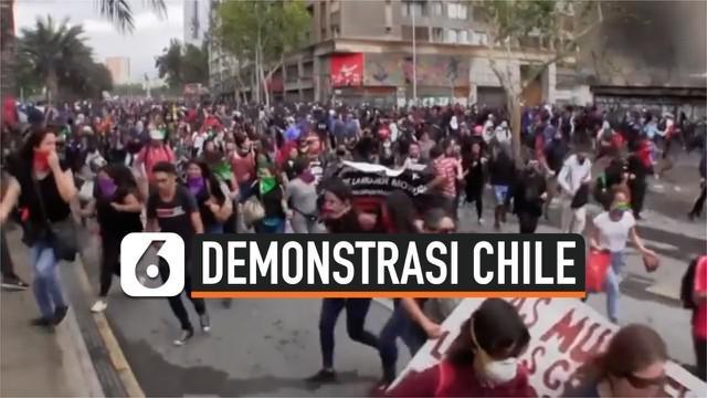 Aksi unjuk rasa menentang pemerintah masih berlanjut di Chile. Sejak demonstrasi pecah tercatat 26 warga tewas dan ribuan lainnya alami luka-luka.