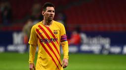1. Lionel Messi (100 juta euro) - Lionel Messi masih menjadi pemain yang dengan nilai pasar tertinggi di Liga Spanyol saat ini. Meski performanya dinilai menurun di awal musim ini, pemain berusia 33 tahun ini memiliki nilai pasar 100 juta euro. (AFP/Gabriel Bouys)