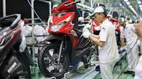 Ekspor Honda BeAT melonjak 43 persen. Artinya bulan lalu jumlah motor yang menyeberangi lautan sebanyak 14.256 unit. (AHM)