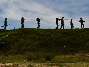 Melihat Latihan Menembak Prajurit TNI di Aceh