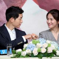 Song Joong Ki dan Song Hye Kyo di konferensi pers drama Descendants Of The Sun. foto: AsiaOne