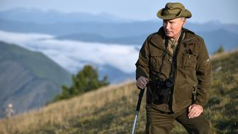 Vladimir Putin Pergi Mancing dan Mendaki ke Siberia Usai Isoman Cegah COVID-19