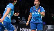 Ganda putri Indonesia Greysia Polii / Apriyani lolos ke perempat final Denmark Open 2021 setelah menyikirkan pasangan tuan rumah Maiken Fruergaard / Sara Thygesen di Odense Stadion, Kamis, 21 Oktober. (Badminton Photo / Yves Lacroix)