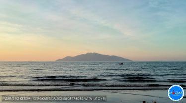 Letusan eksplosif Gunung Rokatenda, Pulau Palue, Nusa Tenggara Timur (NTT) pada 93 tahun lalu menyebabkan dampak sangat hebat.