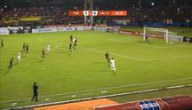 Kemenangan telak 4-0 diraih PSM Makassar atas tamu nya PERSERU Badak Lampung, masing-masing gol diciptakan oleh Rasyid Bakri 16',Z...