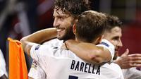 Nicolo Barella merayakan keberhasilan mencetak gol semata wayang Italia ke gawang Belanda di ajang UEFA Nations League. (MAURICE VAN STEEN / ANP / AFP)